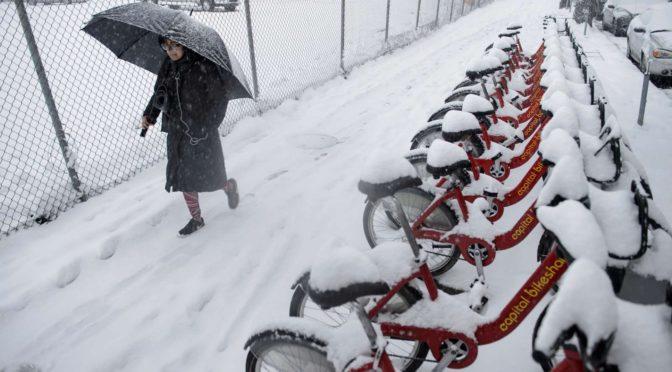 Hóviharok tombolnak az Egyesült Államok nyugati tagállamaiban