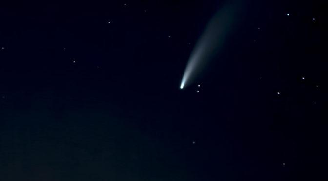A NEOWISE üstökös a Pásztó feletti égbolton