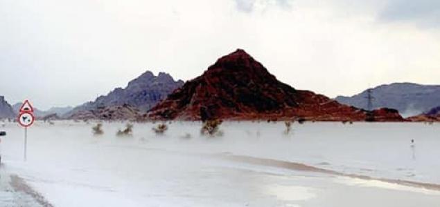 Példátlan jégeső zúdult az Arab-sivatagra