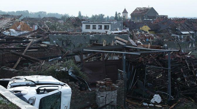 Újabb megdöbbentő fotók a csehországi tornádó pusztításáról